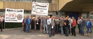 """Manifestacja w Ursusie: [br]""""sprzedani jak niewolnicy"""""""