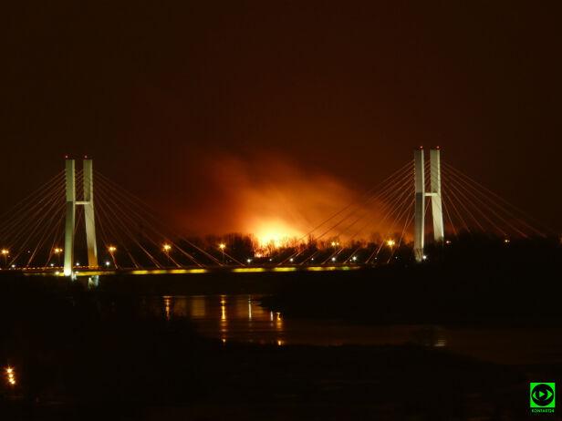 Pożar za mostem Siekierkowskim AHG/tvnwarszawa.pl