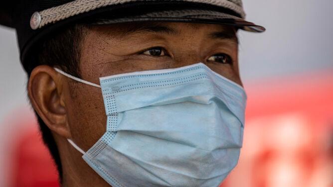 WHO: przypadki przeniesienia koronawirusa między ludźmi w 12 krajach poza Chinami