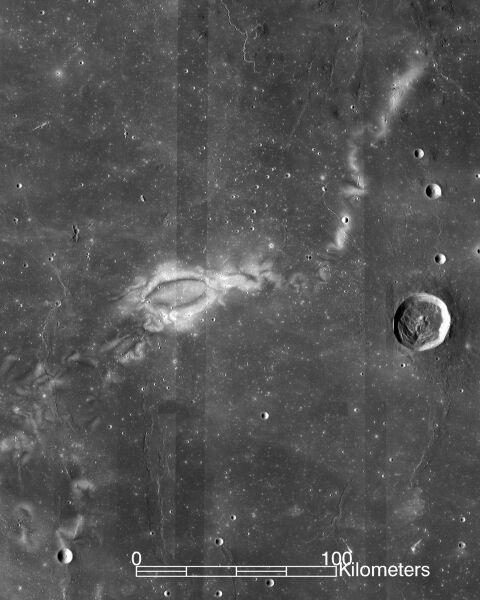 Wiry na powierzchni Księżyca (NASA LRO WAC science team)